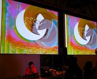 R-videofeedbackperformance_kawai_hamasaki.jpg